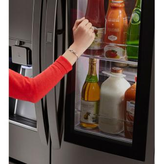 LG InstaView ตู้เย็นสุดล้ำ! เห็นข้างในโดยไม่ต้องเปิด